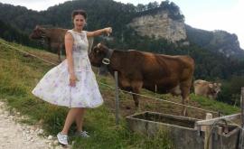 Швейцария не дала гражданство защитнице коров