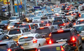 InfoTrafic: Pe mai multe străzi din capitală sînt ambuteiaje