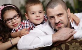 """Pavel Stratan: """"Toată lumea ne întreabă unde e mama copiilor!"""""""