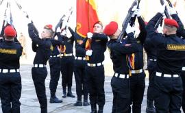 Isprava emoționantă a unui Carabinier din Chișinău (VIDEO)