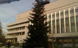Cum arată strada 31 august înainte de deschiderea Tîrgului de Crăciun (FOTO)