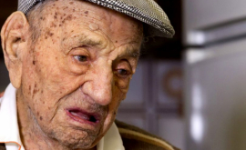 Cel mai bătrîn bărbat din lume a împlinit 113 ani și dezvăluie care este secretul său