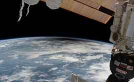 Agenția Spațială trimite un robot care va curăța gunoiul de pe orbita terestră