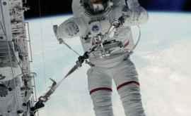 Astronauții ISS suferă de modificări ale funcției ochilor