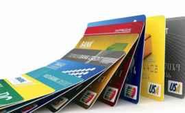 Studiu: Săptămînal în corpul unui om ajung 5 grame de plastic, cît un card de credit