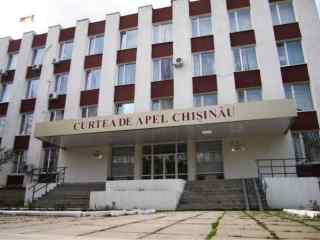 UPDATE: Cererile magistraţilor Ulianovschi și Vrabie, acceptate