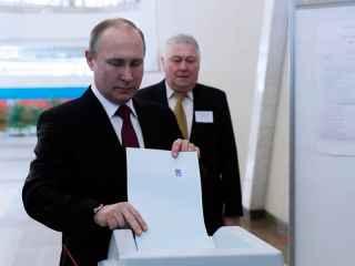 Putin a votat la alegerile prezidenţiale din Rusia (VIDEO)