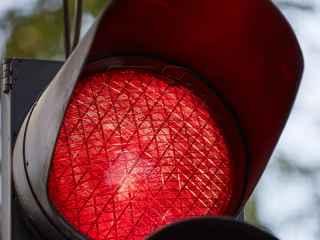 Semnalul roșu al semaforului – cale deschisă! Șoferii din capitală au propriile reguli (VIDEO)