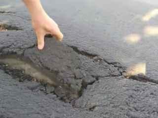 """Scenariul se repetă. """"Drumurile bune"""" de la Pîrjota pot fi luate cu mîna (VIDEO)"""
