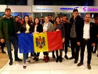 Olimpicii moldoveni, întîmpinați la Aeroport (FOTO, VIDEO)