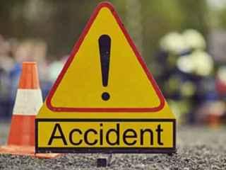 Un camion şi o mașină, implicate într-un accident la Edineț