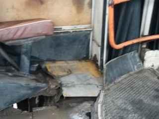 Автобус-развалюха продолжает курсировать по улицам столицы (ВИДЕО)