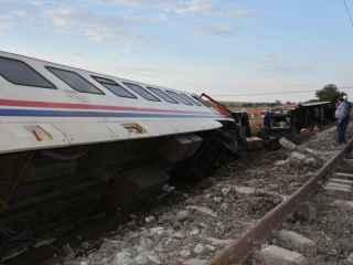 A apărut video cu momentul ciocnirii celor două trenuri în Ankara