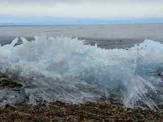 Fenomen rar întîlnit: Valurile de gheaţă (VIDEO)
