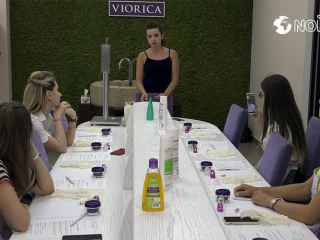 """Viorica-Cosmetic"" a lansat workshopul ""Laboratorul parfumeric"" (VIDEO)"