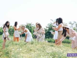 """""""Vio-parc Varnița"""", oaza înfloritoare în care sînt crescute plantele medicinale pentru produsele """"Viorica-Cosmetic"""" (VIDEO)"""