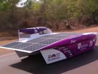 În Australia a început cursa mașinilor cu baterii solare (VIDEO)