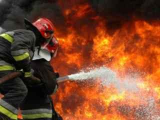 În Rîbnița suprafața unei fabrici a fost cuprinsă de flăcări (VIDEO)