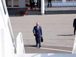 Dodon, filmat la Aeroport: Alege curse ordinare sau business? (VIDEO)