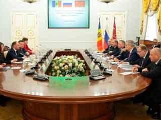 Primăria Chișinău a stabilit relaţii de cooperare cu conducerea din Sankt Petersburg