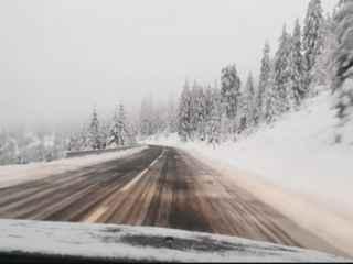 În munții României și Ucrainei a nins ca în poveste (VIDEO)