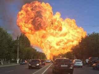 В Волгограде взорвалась газовая заправка, есть пострадавшие (ВИДЕО)