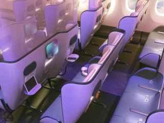 A fost prezentat un nou concept al salonului avionului cu dezinfectanți în scaune (FOTO, VIDEO)