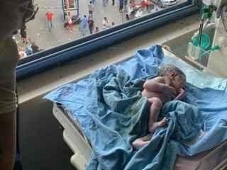 История чуда: ребенок родился прямо в момент взрыва в Бейруте