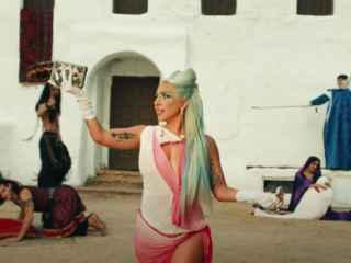 Леди Гага выпустила клип на армянскую тематику, который взорвал YouTube