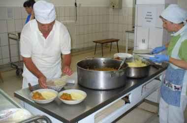 okolo-1200-kishinevcev-budut-poluchati-besplatnye-obedy