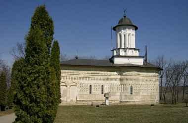 Mănăstirea Aroneanu – muzica în piatră