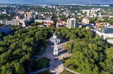 64-letnyaya-zolyshka-i-90-letnij-koroli-kak-vyglyadyat-i-chem-zanimayutcya-aktery-iz-filima-tri-oreshka-dlya-zolushki