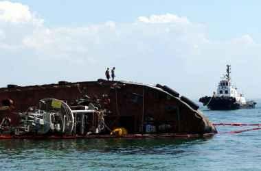 situaciyu-s-zatonuvshim-moldavskim-tankerom-priznali-chrezvychajnoj