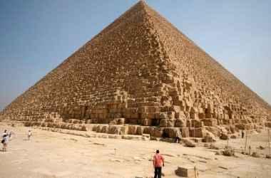 egiptul-incearca-sa-l-convinga-pe-elon-musk-ca-nu-extraterestrii-au-construit-piramidele