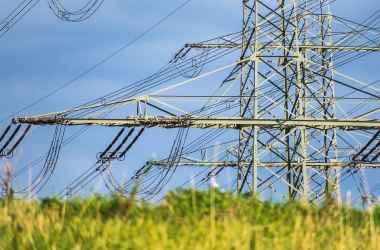 pina-in-luna-noiembrie-vor-fi-renovate-capital-6-km-de-linie-electrica-aeriana