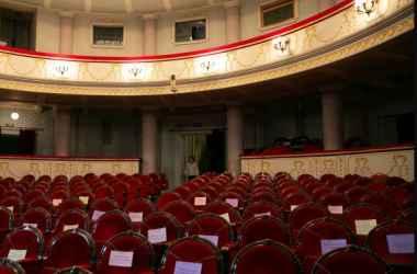 teatrul-national-mihai-eminescu-din-capitala-si-a-redeschis-usile-foto