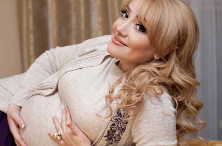 Cum va influența nașterea asupra carierei Adrianei Ochișanu