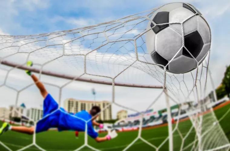 В Бельгии футболист взял ворота соперника дальним ударом и вывел команду вперед