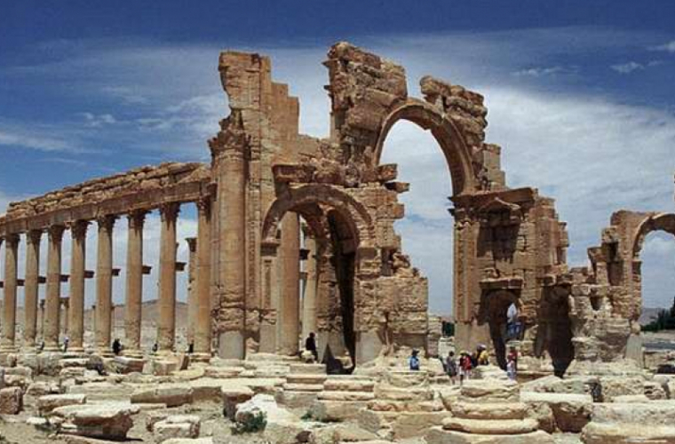 SI a distrus monumente faimoase la Palmira