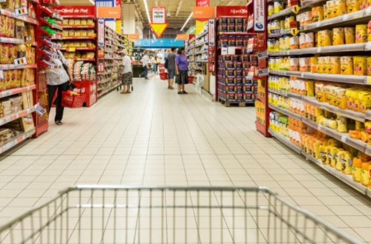 Economia României, DISTRUSĂ de marile magazine