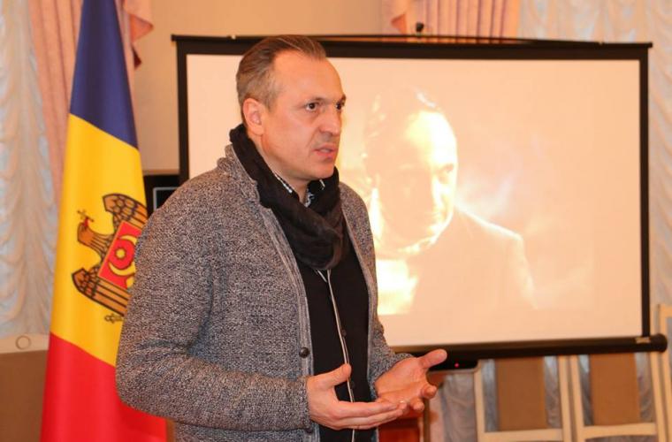 Diplomații de la Moscova se inspiră din creația lui Igor Chistol (FOTO)