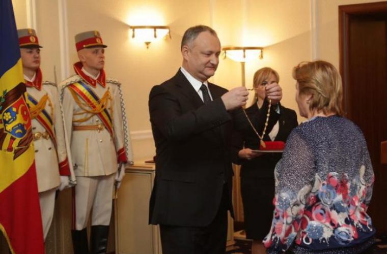 De 8 Martie, Igor Dodon a decorat 8 femei distinse