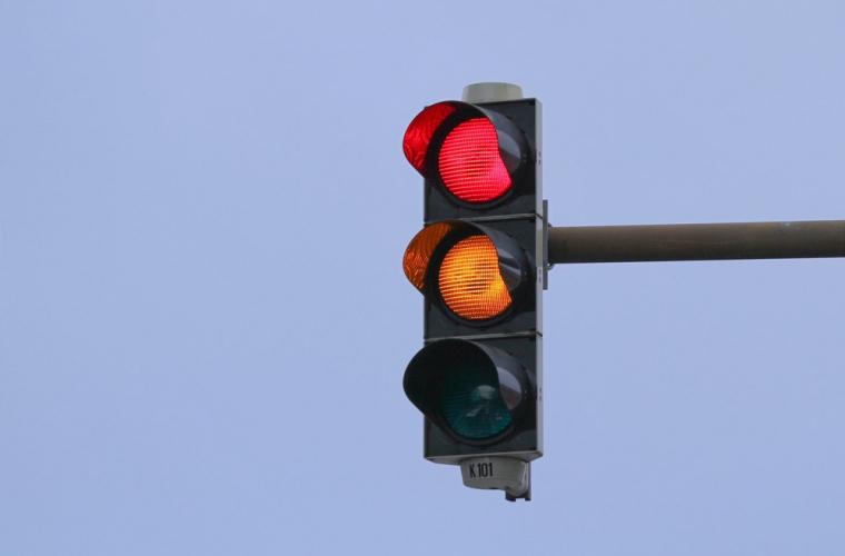 Atenție! Un semafor din capitală nu funcționează