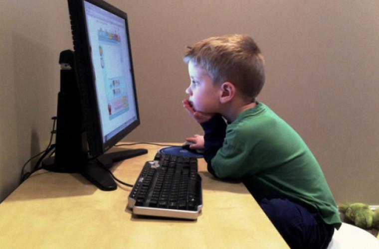 Șapte mituri despre siguranţa copiilor pe Internet