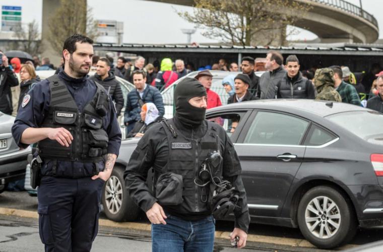 Cele două atacuri din Paris, comise de același bărbat