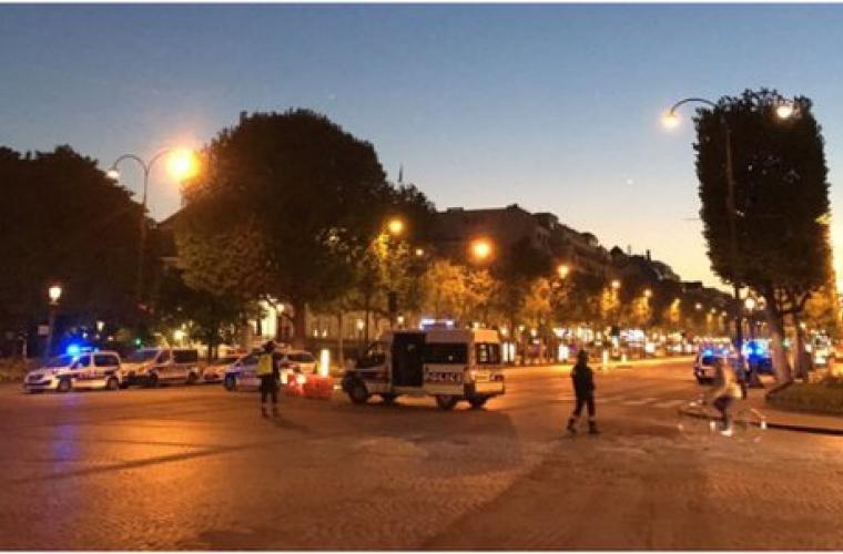 ALERTĂ Franța: Schimb de focuri pe Champs-Elysées