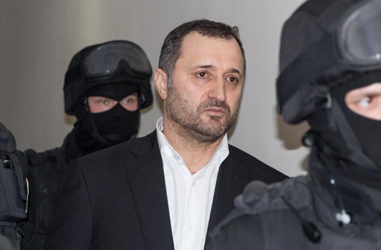 Vlad Filat, surprins la o clinică privată din Chișinău