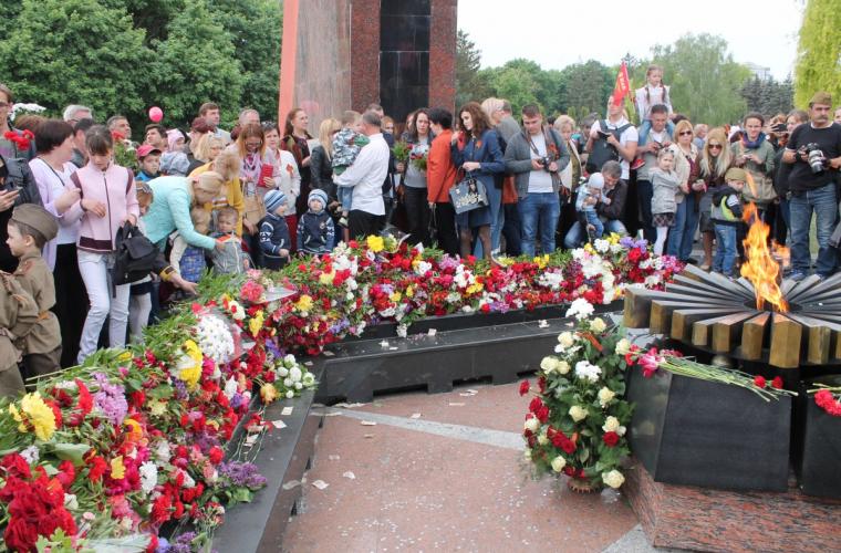 Ziua Victoriei – motiv de falsificare a istoriei și substituirii noțiunilor