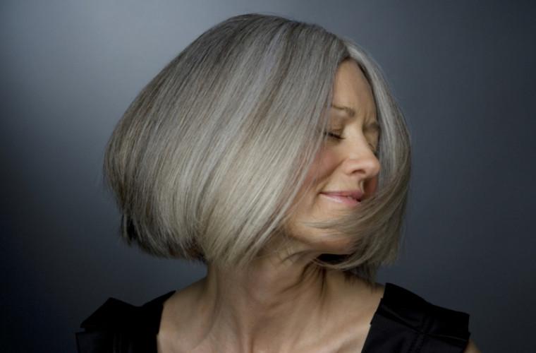 Oamenii de știință au descoperit misterul încărunțirii părului