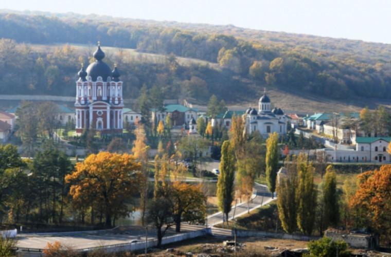 Mănăstirea Curchi – valoare de patrimoniu a Moldovei (Foto)